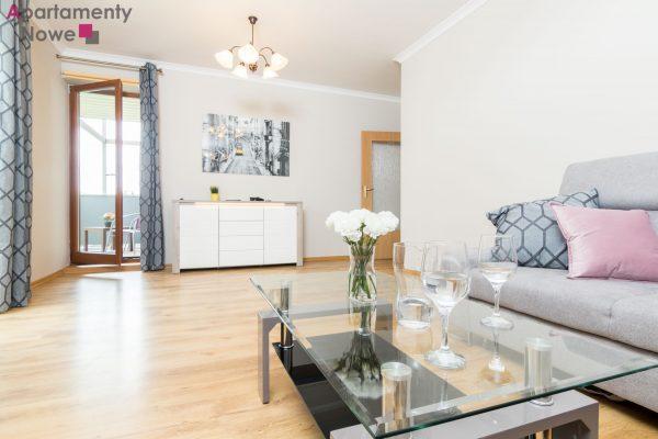 Jasne, odnowione mieszkanie 65m2 z osobną kuchnią na osiedlu Mozarta 23