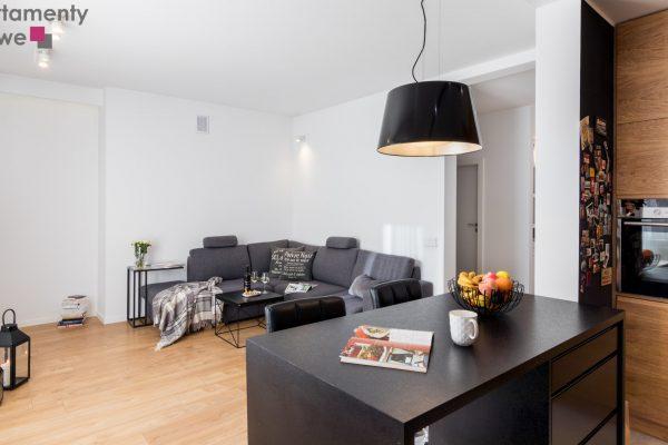 "Modern decorated, spacious three-room apartment 75 sqm in the unique investment ""Apartamenty pod Kasztanami """