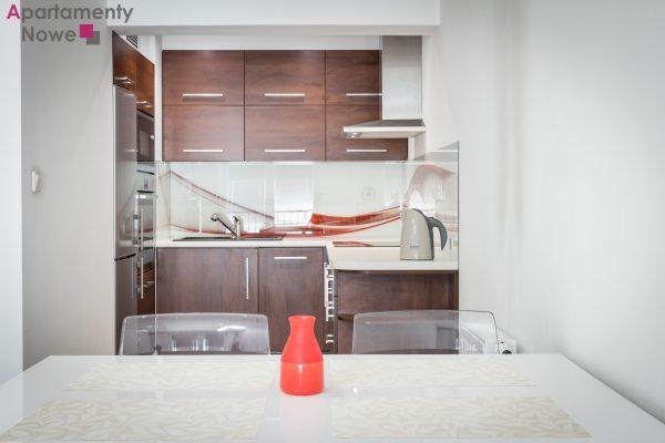 """Komfortowe mieszkanie 43 m2 z osobną sypialnią w przy Bulwarach Wiślanych  """"Apartamenty Nadwiślańska 11"""""""