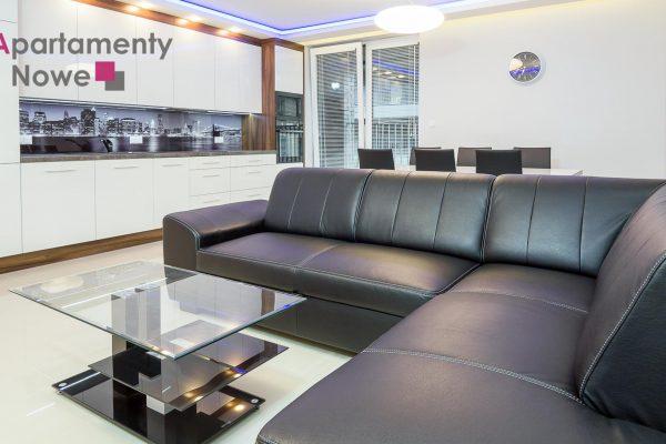 """Przestronne, trzypokojowe mieszkanie 83 m2 z dużym tarasem w prestiżowej inwestycji """"Apartamenty Nadwiślańska 11 ″"""